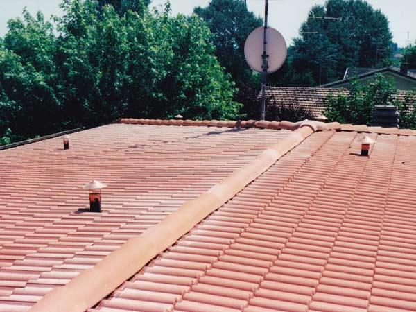 Posa-tetti-tradizionali-a-coppi-mirandola