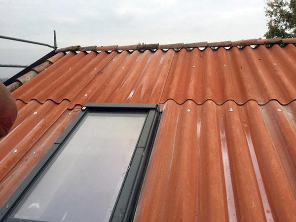 Installazione-lucernari-per-copertura-mansarda-Modena